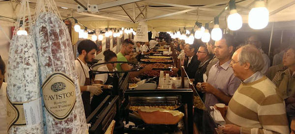 Il mercatino di Natale di Piazza Solferino a Torino