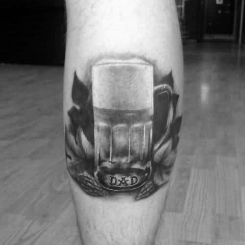 Birra, boccali, luppolo. L'improtante è che sia un birra tattoo